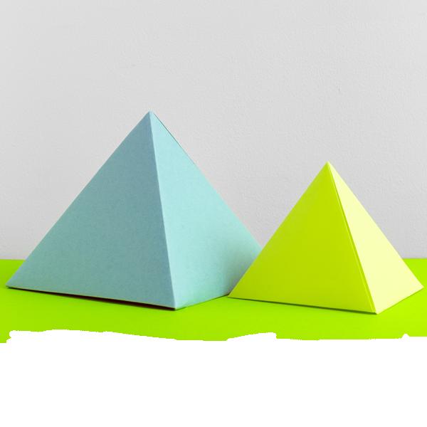 Pyramide Distona Rohstoffe